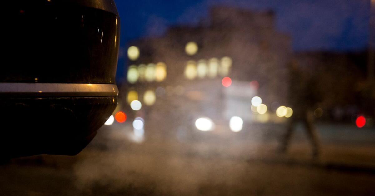 Låg medvetslös framför avgasrör – nu varnar familjen för den farliga trenden