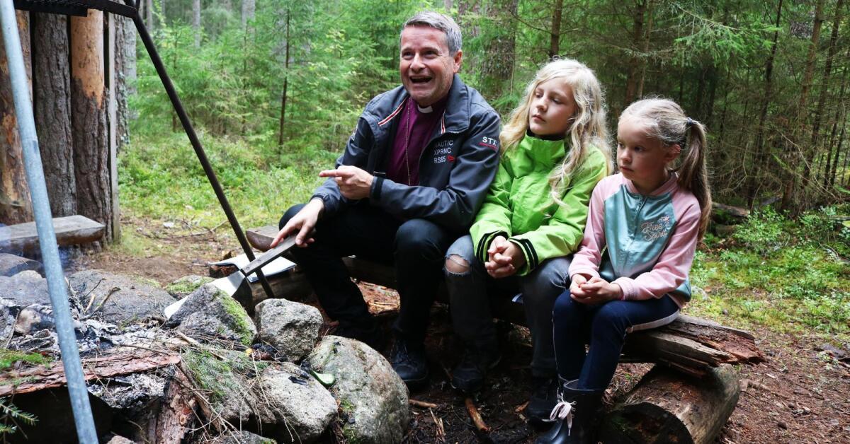Biskopen lekte kurragmma i skolskogen - Karlskoga Tidning