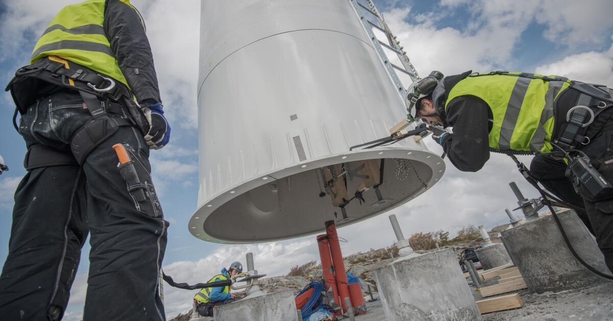 Moelvens första vindkraftstorn i trä står klart