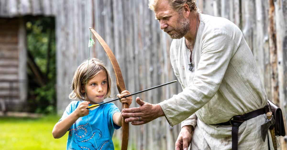 Barnfamiljerna har hittat till Vikingacentret