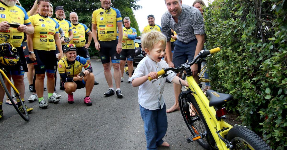 Fyraårige Josef blev fri från cancer - fick egen Team Rynkeby-cykel