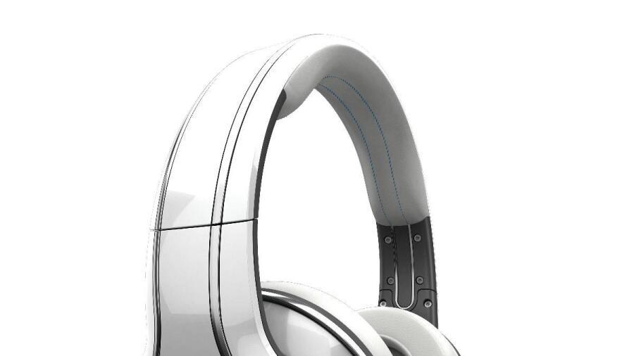 Lägg till ett par hörlurar så har du en komplett musikanläggning som går  att använda överallt. 21a10d8221e1e