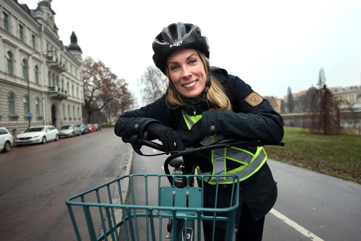 På med cykelhjälmen! NWT