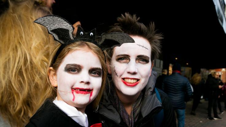 Halloween Sminkning Joker.Manga Laskiga Deltagare I Arets Halloweenparad Nwt