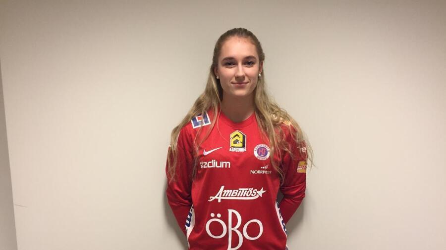 Emelie Andersson till KIF Örebro. Fotboll 8e2fc0b7341cf